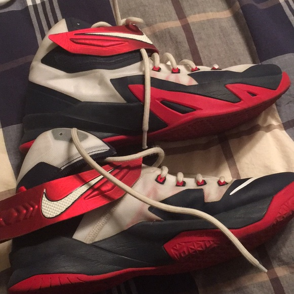 super popular fb83c bc847 Nike zoom LeBron James soldier 8 USA